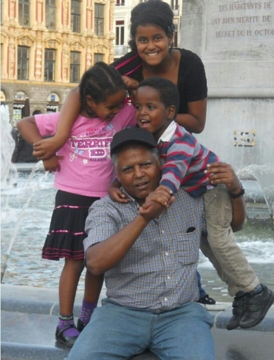 Andargachew Tsige and family